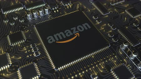 mikroprocesor : Computer printed circuit board or PCB with Amazon.com, Inc. logo. Conceptual editorial 3D animation