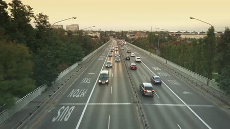 paralelo : Aerial view of city road traffic on the bridge in the evening. Warsaw, Poland