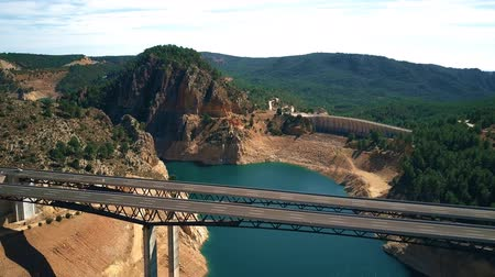 mês : Aerial view of beautiful highway viaduct and dam in highland area of Spain Vídeos