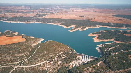 mês : The dam of hydroelectric power plant in Spain, aerial view
