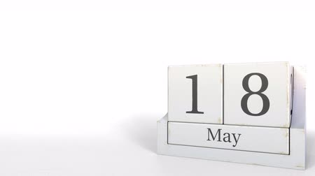 osiemnastka : Wooden blocks calendar shows May 18 date, 3D animation Wideo