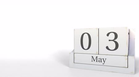hoje : May 3 date on wood bricks calendar. 3D animation Vídeos