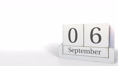 son teslim tarihi : Wooden blocks calendar shows September 6 date, 3D animation Stok Video