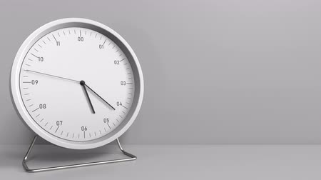 часов : Clock measures one hour from 5:00 till 6:00. 3D animation Стоковые видеозаписи
