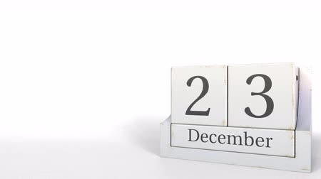 son teslim tarihi : Wood cube calendar shows December 23 date, 3D animation