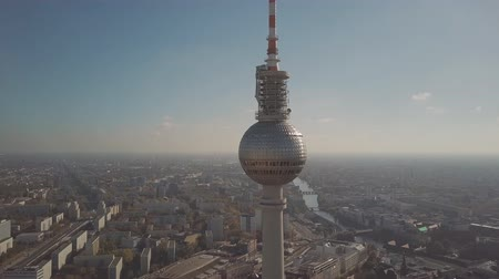 berlin skyline : BERLIN, GERMANY - OCTOBER 21, 2018. Aerial view of famous Berliner Fernsehturm or Television Tower and the Spree river Stock Footage