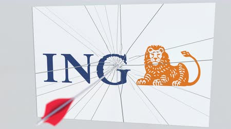 tiro com arco : Archery arrow breaks glass plate with ING company logo. Business issue conceptual editorial animation