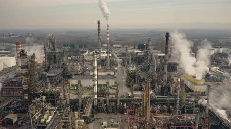 tesisler : Big oil refinery, aerial view Stok Video
