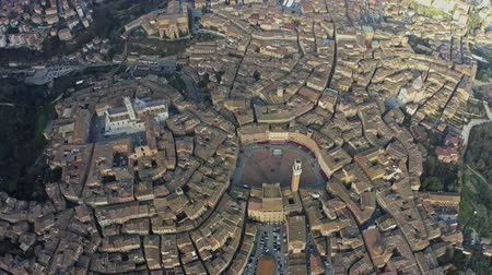 シエナ : Aerial down view of the city of Siena, Italy