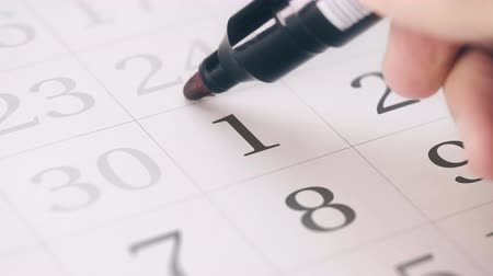 período : Marked the first 1 day of a month in the calendar transforms into SAVE THE DATE text