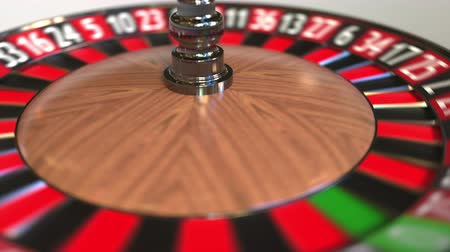 рулетка : Casino roulette wheel ball hits 31 thirty-one black. 3D animation Стоковые видеозаписи