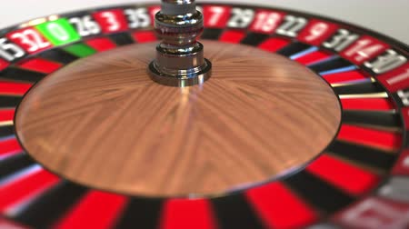 probabilidade : Casino roulette wheel ball hits 2 two black. 3D animation