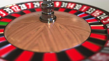 probabilidade : Casino roulette wheel ball hits 15 fifteen black. 3D animation