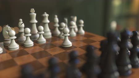oposição : Beginning of the chess game. Pawns move. Chessboard close-up, realistic 3D animation Vídeos