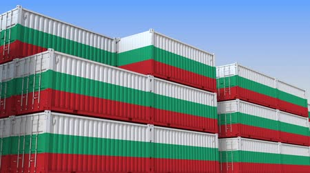 búlgaro : Container terminal full of containers with flag of Bulgaria. Bulgarian export or import related loopable 3D animation