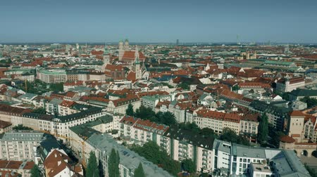 münchen : Aerial establishing shot of the city of Munich, Germany Stock mozgókép