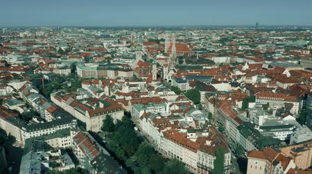 münchen : Aerial shot of Munich historic center, Germany Stock mozgókép