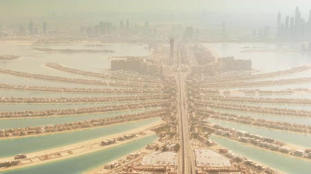 отель : Aerial shot of the famous Palm Jumeirah artificial island. Dubai, UAE