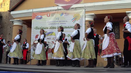 "사치스러운 : 축제 ""Polesie Summer with Folklore""개막식 Lutsk Ukraine 22.08.2018."