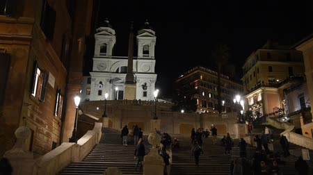 статья : Rome Trinita dei Monti church, spanish steps and realism video in the early morning