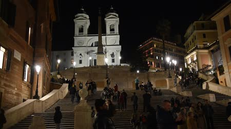 gözlem : Rome Trinita dei Monti church, spanish steps and realism video in the early morning