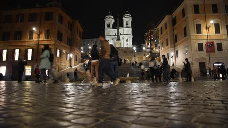 civilização : Rome Trinit? dei Monti church, spanish steps and realism video in the early morning