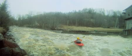 kano : Whitewater kayaking, in Amata, Latvia. Stok Video