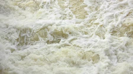 powódź : Large flows of water in the river rage
