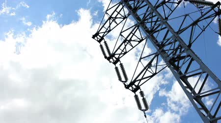 utilidade : Clouds fly over the electric pole Stock Footage