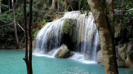 tyrkysový : HD video of beautiful waterfalls in Thailand. Erawan falls.