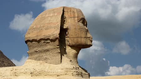 руины : Timelapse clouds quickly fly over the Sphinx 4K