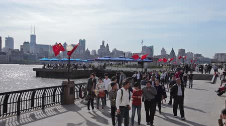 nosorožec : Waitan embankment of Shanghai