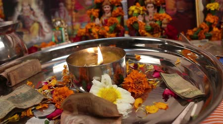 zvyk : puja thali with money and flowers for blessings