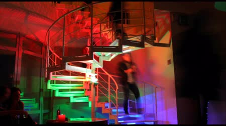 клуб : Timelapse of colorful stairs in night club