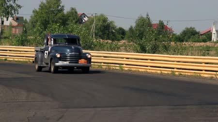 ралли : Real vintage car Chevrolet Pick-Up in Peking to Paris rally