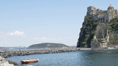 nápoles : Ponte Aragonese connecting castle with Ischia island, sightseeing tour to Italy