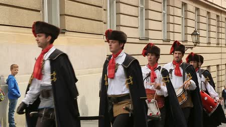 nákrčník : Famous Cravat Regiment marching on the Zagreb streets, guard of honour, Croatia Dostupné videozáznamy