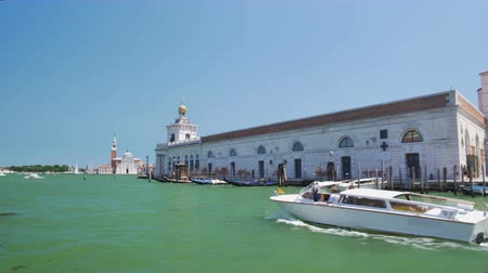 vários : Motorboat cruise on Grand Canal, sightseeing tour to Venice, private water taxi