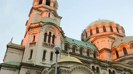 bułgaria : Architecture of Alexander Nevsky Cathedral in Sofia Bulgaria shown from angles Wideo