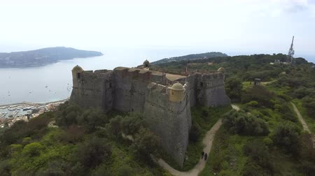 лазурный : Fascinating aerial view of ancient bastion on riviera at Franco-Italian border Стоковые видеозаписи