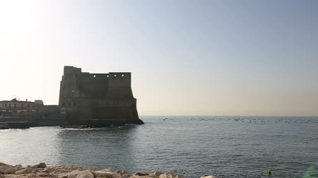 neapol : Breathtaking panorama of Egg castle in Naples, view from seafront, sequence