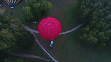 dirigível : Envelopes getting inflated before flight, hot air balloon championship, start