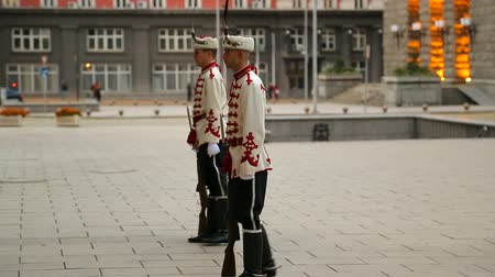 bułgaria : Change of honorable guard at presidential residence in Bulgaria, tradition