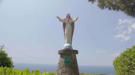 simbolismo : Beautiful Jesus statue in Ischia town, Italian monument, religion and faith Stock Footage