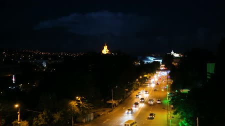 rohanó : Cars relentlessly rushing along avenue of night Tbilisi, Georgia, time-lapse