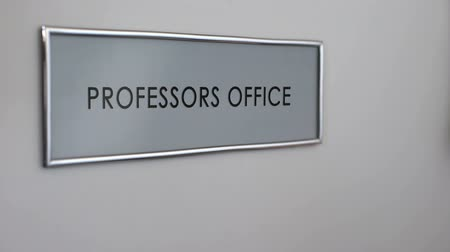 knock : Professors office door, hand knocking closeup, university lecturers workplace Stock Footage
