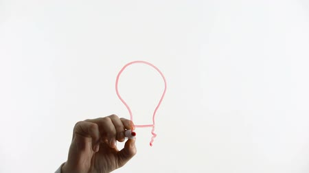 головоломки : Light bulb drawn on glass, business ideas, creativity, innovative solution