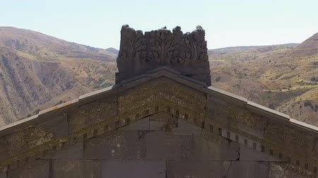 yunan : Temple of Garni rising over beautiful Armenian mountains, historic architecture