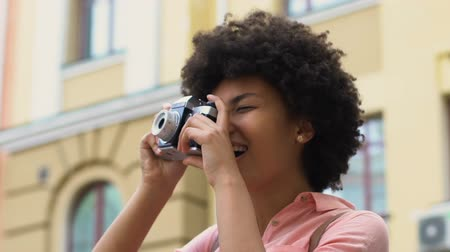 dojem : Female student taking photo of cityscape, blogger travelling, favorite hobby Dostupné videozáznamy