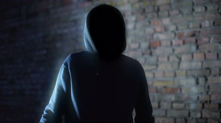 paranormaal : Hooded faceless man shadow, mysterious demon, scary criminal, creepy nightmare